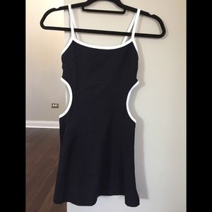 BEBE top tunic coverup black and white